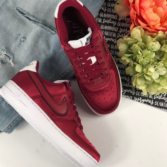 online store 64dc6 27516 Nike Air Force 1  07 SE satin red shoes sneakers. NWT